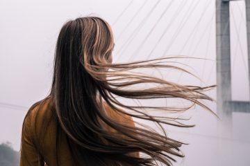 5 trucuri pentru un păr sănătos acasă