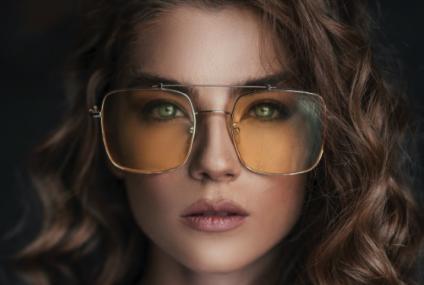 Modele de ochelari de soare pentru femei cu stil