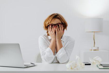 Cum poți ca să alegi un psihoterapeut online potrivit pentru problema ta?