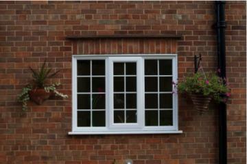 Scurtă istorie a geamurilor cu tâmplărie din PVC